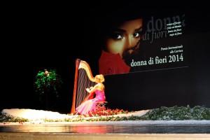 Teatro Verdi Gorizia, 19/12/2014, apertura della Cerimonia del Premio conil concerto d'arpa  di Jasna Corrado Merlak